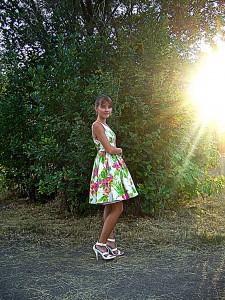 летнее платье с нижней юбкой