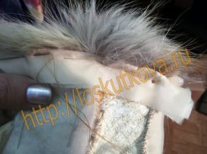 пришить обтачку низа жилета, образуя перекант из меха 2 мм